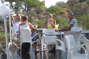 clientes-terraza-restaurante-aguilas