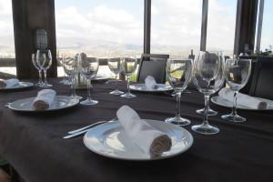 mesas-con-estilo-restaurante-aguilas